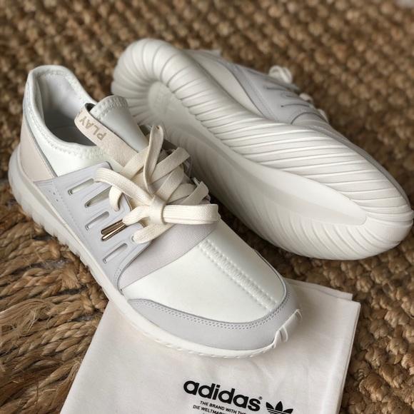le adidas nuova di zecca whiteoff tubulare neverworn poshmark bianco